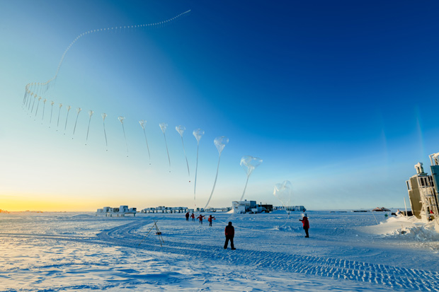 time lapse photo of ozonesonde balloon launch over South Pole on Sep 30, 2020