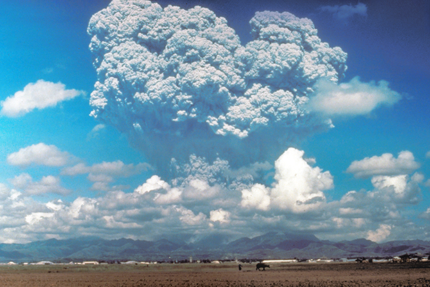 Massive ash cloud towering over Mt Pinatubo volcano