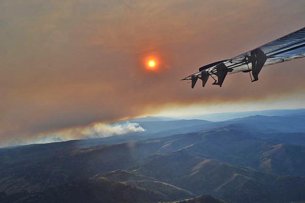 Smoke, plane, Sun,