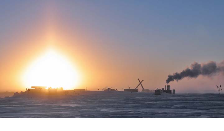 photo of sunset at South Pole on March 20, 2010