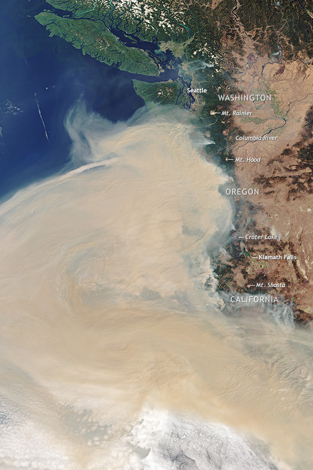 Satellite image of a massive cloud of smoke over the U.S. West Coast from wildfires in September 2020