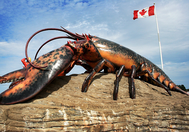 World's largest lobster sculpture (photo)